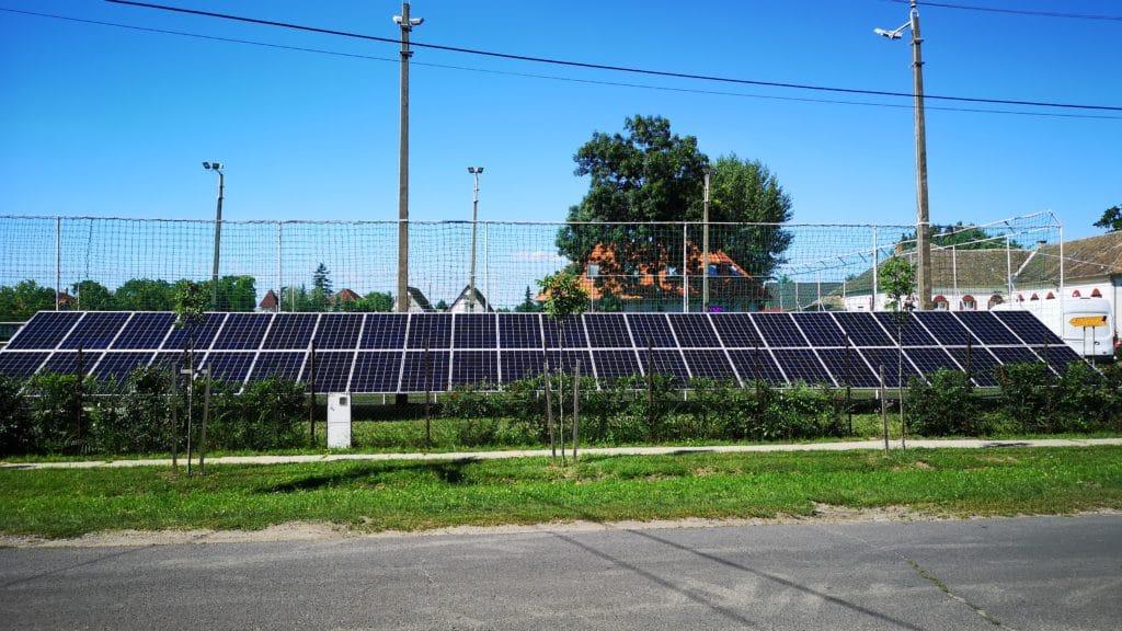 Földre telepített napelem